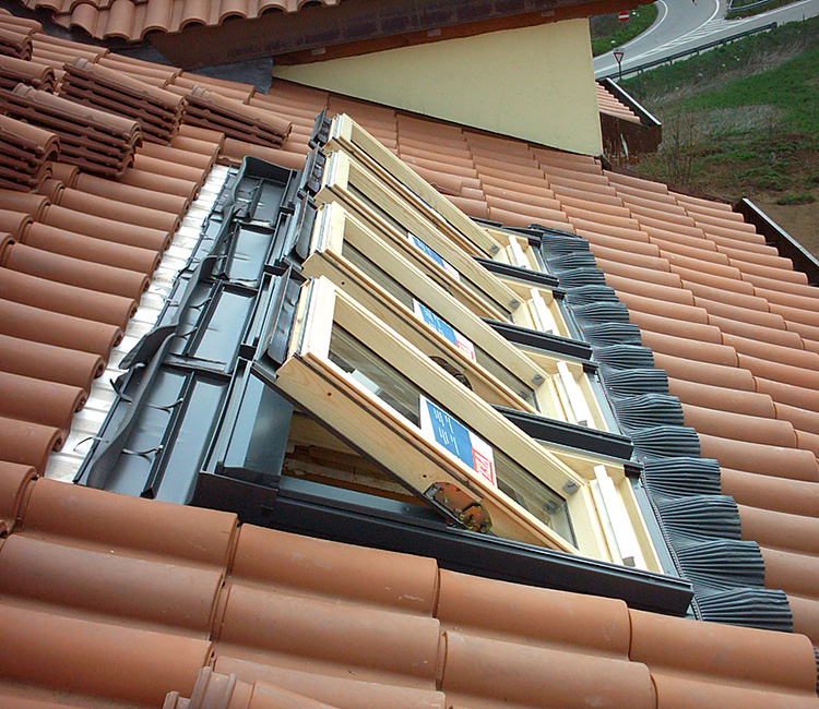 Velux tende per lucernari ed accessori for Finestre velux tende
